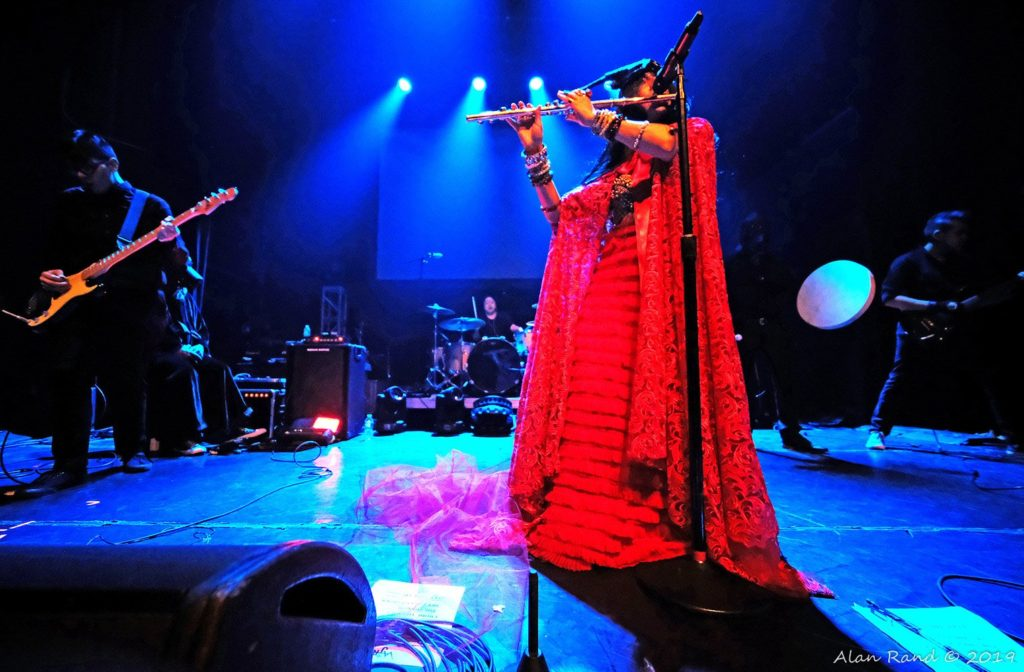 Vajra at the Gramercy. Annamaria on flute. (Photo by Alan Rand)