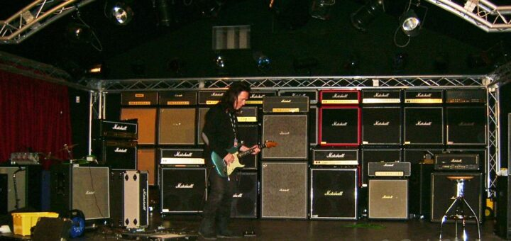 Bernie Torme and the gear he uses. . .